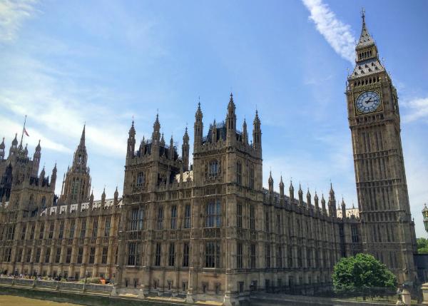 国会議事堂とビッグ・ベン(エリザベス・タワー) Houses of Parliament , Big Ben – Elizabeth Tower