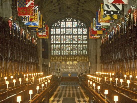 ロンドン発 ストーンヘンジ/ウィンザー城/オックスフォードを巡る日帰りツアー