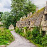 ロンドン発 コッツウォルズの美しい村を4ヶ所訪ねる日帰りツアー