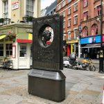 アガサ・クリスティの記念碑 Agatha Christie Memorial
