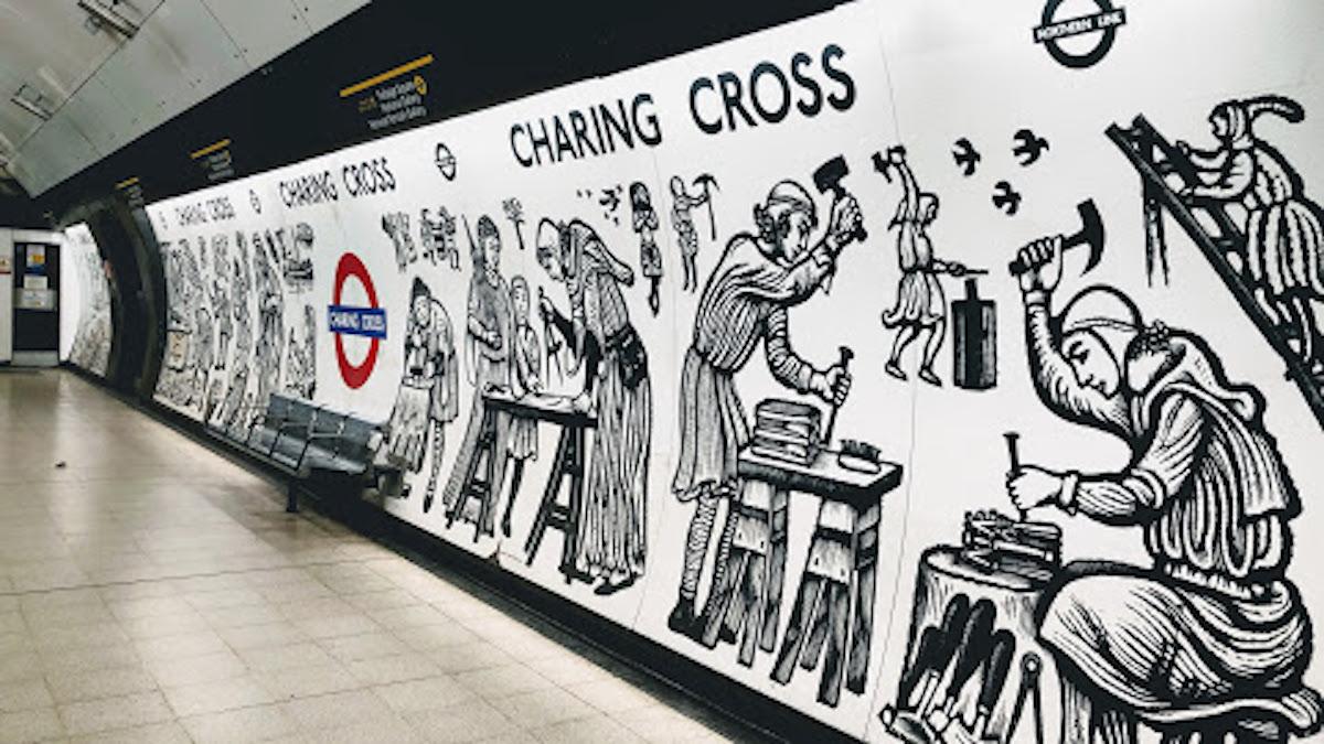 チャリング・クロス駅(地下鉄) Charing Cross Underground Station