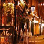 パブでディナー付き:ソーホーを徒歩で巡るロンドンナイトツアー(4〜10月開催)