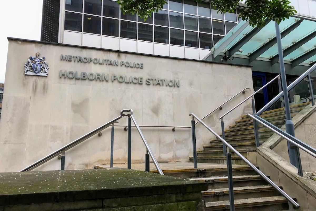 ホーボーン警察署 Holborn Police Station