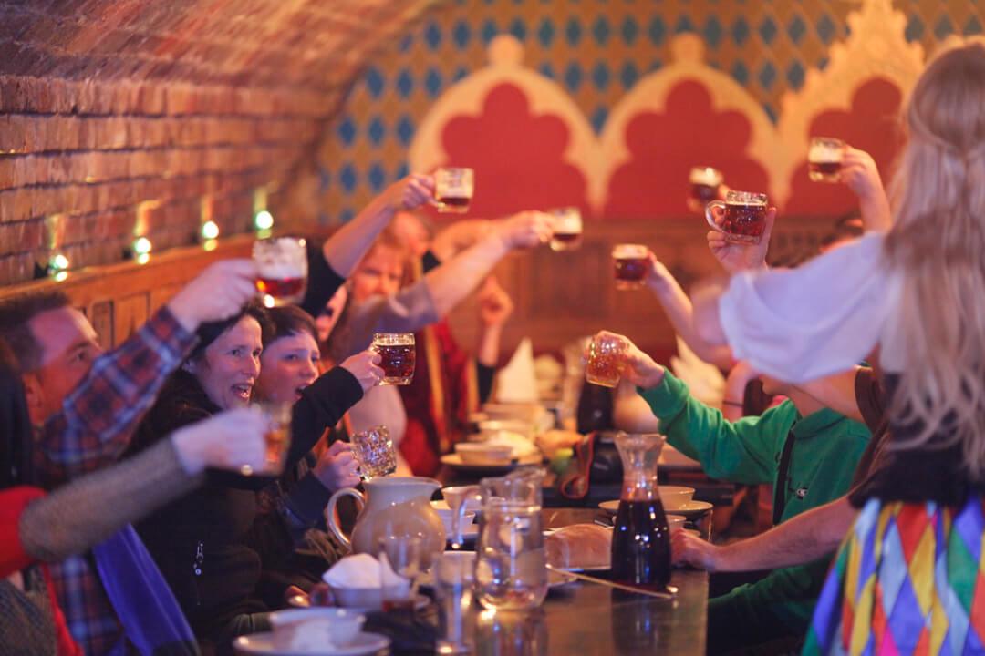 メディーバル・バンケット The Medieval Banquet